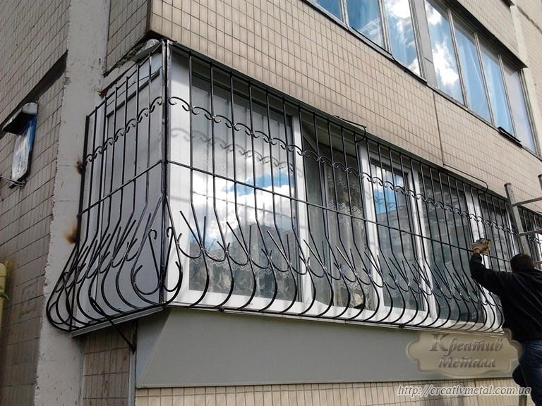 Решетки на окна киев - кованая решетка оконная, заказать изг.