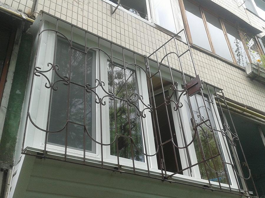 Шкафчики из вагонки на балконе фото